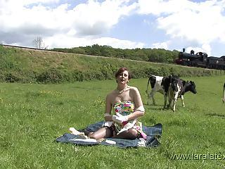 british milf lara latex introduces her website