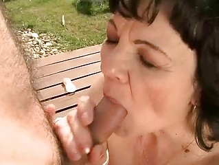 granny getting screwed outdoor