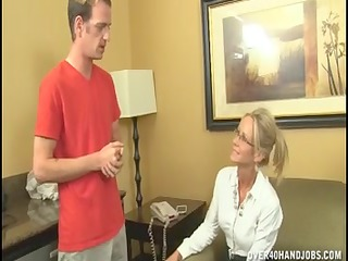 nasty mature lady can live out of jerking