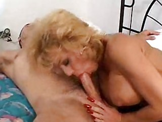 dirty d like to fuck sammie sparks squeezes a