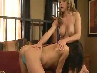 mature hotty takes advantage