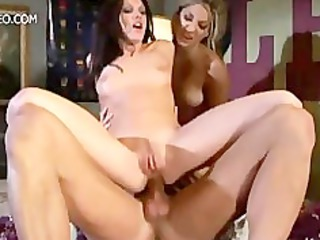 hawt women roxy jezel and taylor rain