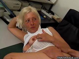 excited grandma acquires her juicy snatch fucked