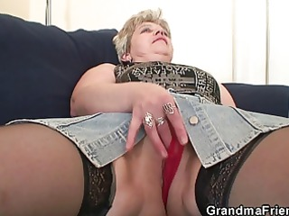 old floozy takes jocks after masturbation