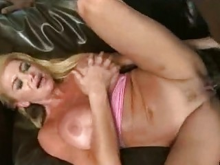 sporty mother i vs darksome cock!
