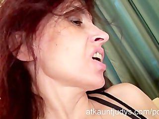 sexy milf karolina masturbates wearing darksome