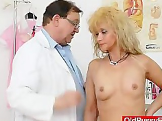 mom gets a great gyno checkup