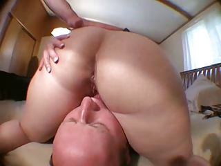 balding hubby licks wifes cookie after pal