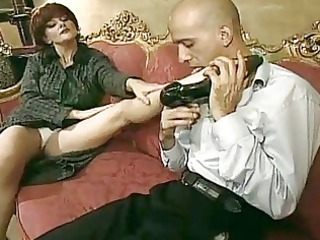 horny mom t live without to smack a pecker