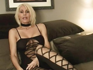 short haired momma in hot outfit plays with sex