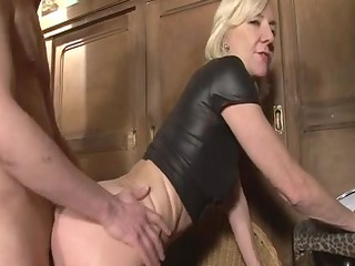 blond mature charlie drilled right into an