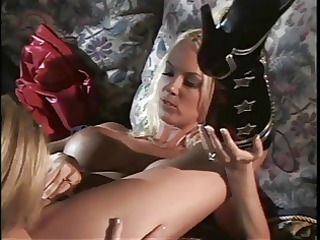 briana banks and hawt girlfriends have lesbo trio