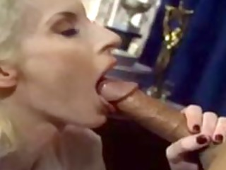 experienced d like to fuck gives great oral-sex