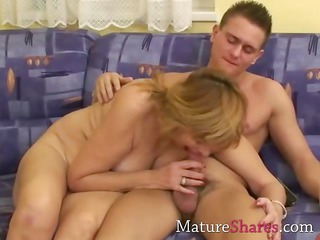 hairy older snatch fucked