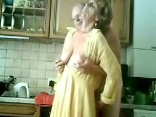 granny gets fingered by her old fellow