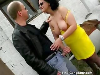 wicked brunette d like to fuck floozy blows cock