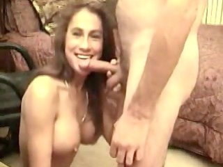 this sexy milf starts with a great orall-service