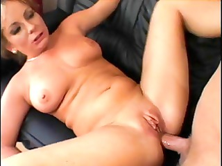 laura likes getting unfathomable anal fuck