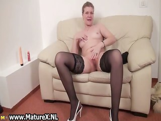 older housewive is licking big part8