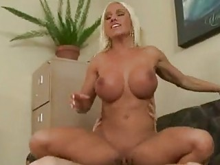 sizzling momma ashley chambers gets her fur pie