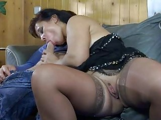 sweltering mommy teasing a hung chap