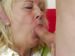 slutty grandma fortune teller drilled by juvenile