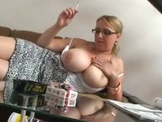 blonde d like to fuck with gigantic bra buddies