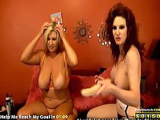 hawt older lesbo doing gold show