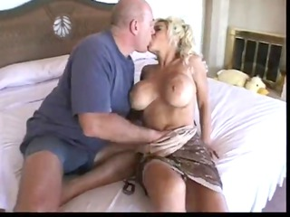 milfsonly.blogspot.com-hot busty mother i