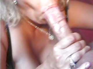 sexy mama 32 golden-haired big beautiful woman