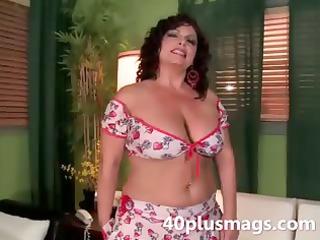 meet this chubby lalin girl mature