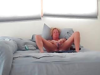 wife masturbating