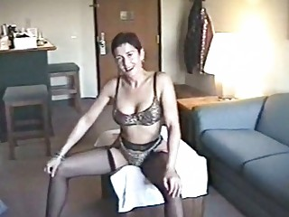 slutty milf hoe posing in hawt underware
