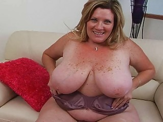 obese pale golden-haired momma sticks huge sex