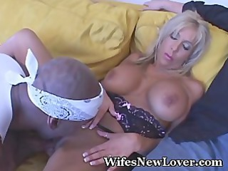 breasty wife wants fresh paramour