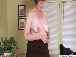 hairy chubby mother i fingers herself