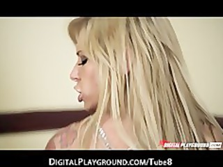 bigtit golden-haired milf brooke banner gives an