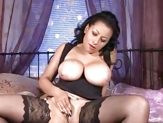 biggest pointer sisters on mature in nylons