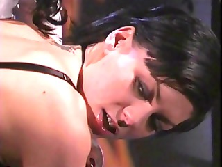dominatrix-bitch ho thrashing hot gimp