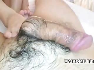japanese milf gives footjob makoto abe
