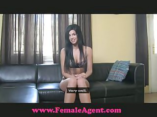 femaleagent at no time been kissed