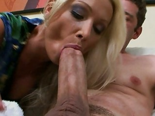 hot euro mamma wamts some big american dick