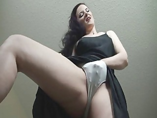 dark brown milf in dark costume joi