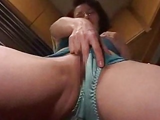 milf screwed facial in the gym