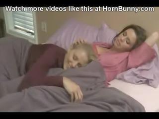 mommy receives enticed - hornbunny.com
