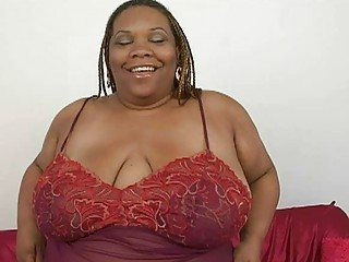 fat ebony momma with huge bosom plays with her