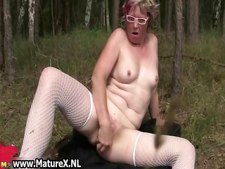 older likes fucking her own taut