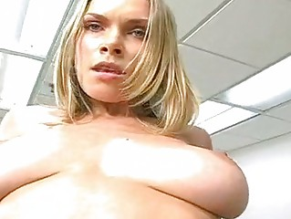 lascivious d like to fuck ivana bianchi bounces