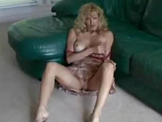sexy mother i racquel blow and tugjob with facial