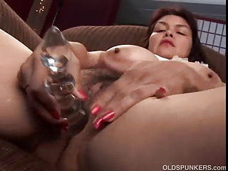 hot aged hottie shows off her sweet big scones